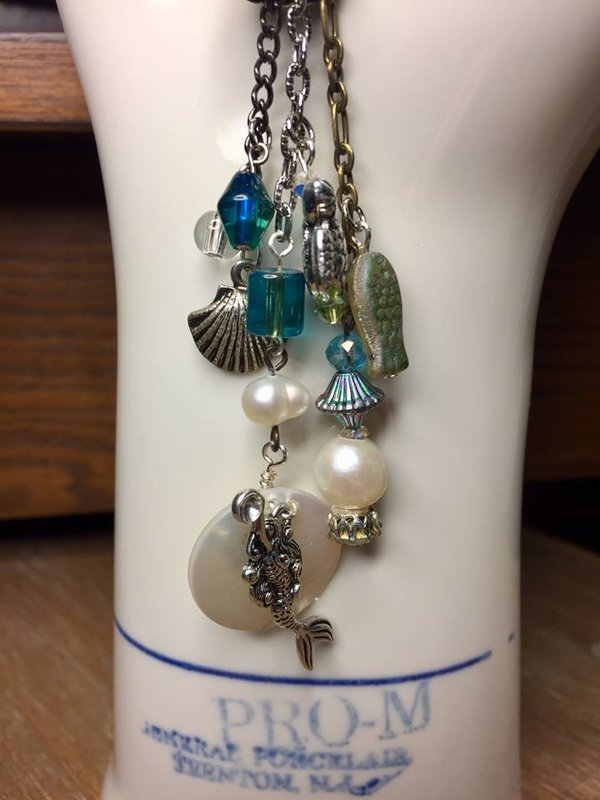 Mermaid's Village Under the Sea Necklace and Bracelet Set