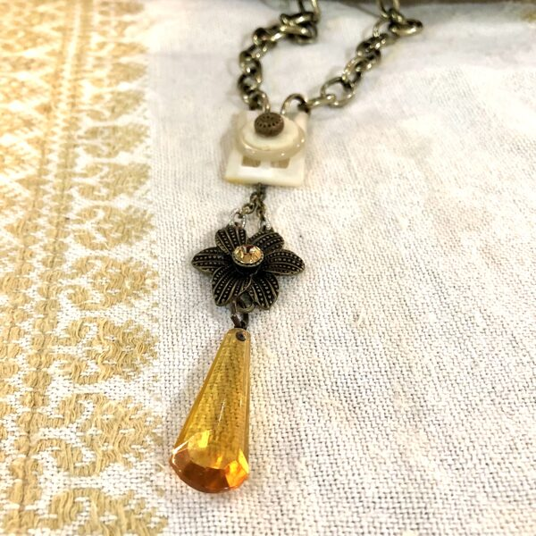 Glass Vintage Amber Drop Fall Necklace with Mother-of-Pearl